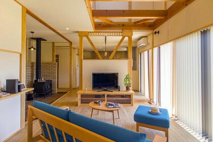 自然素材の温もりと暮らしを彩る土間のある家